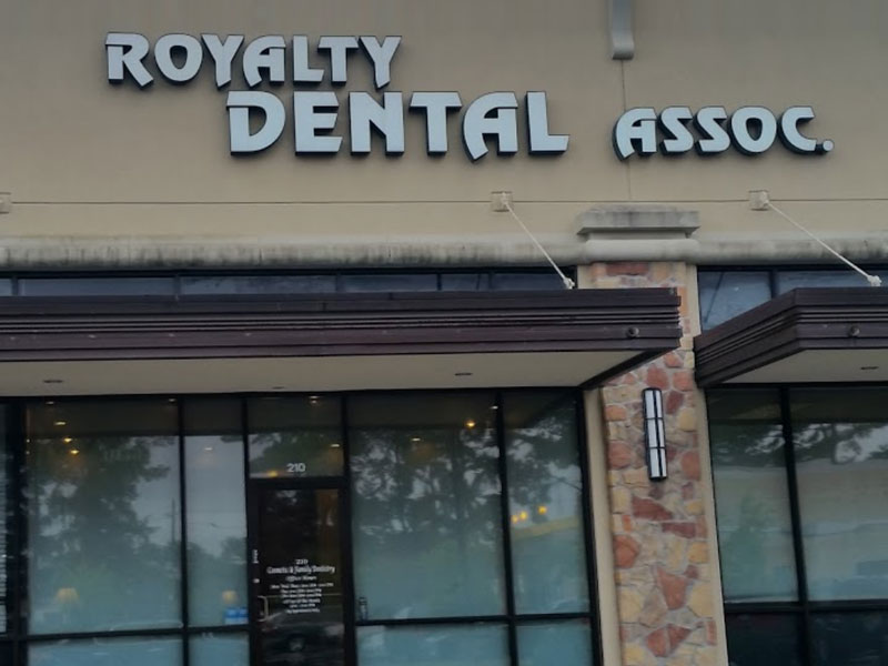 Royalty Dental Associates
